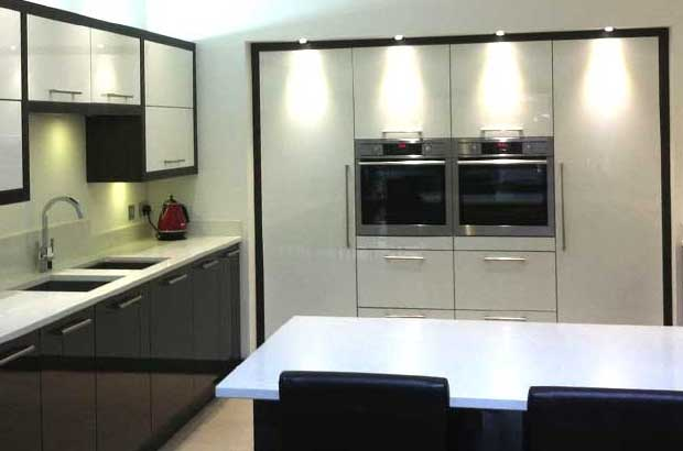 How to mix tall kitchen units wall units diy kitchens for Kitchen units on one wall
