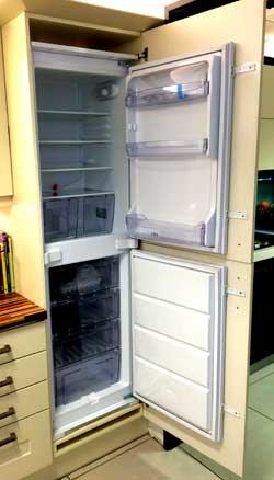 Fitting an integrated fridge freezer