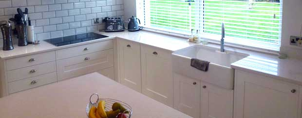 Kitchen worktop tidy