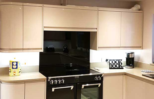How to use a top box unit in your kitchen diy kitchens advice top box idea solutioingenieria Image collections