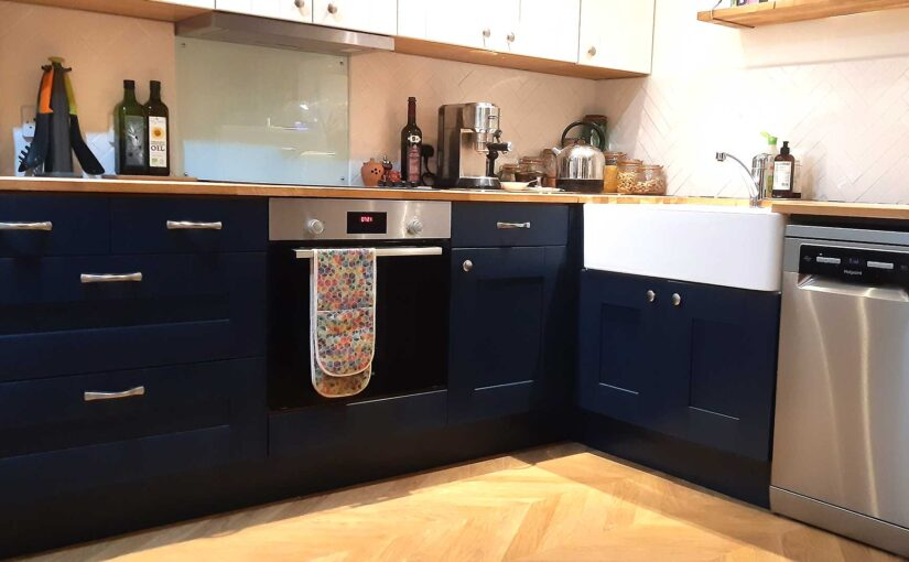 Installing a single oven into a kitchen unit