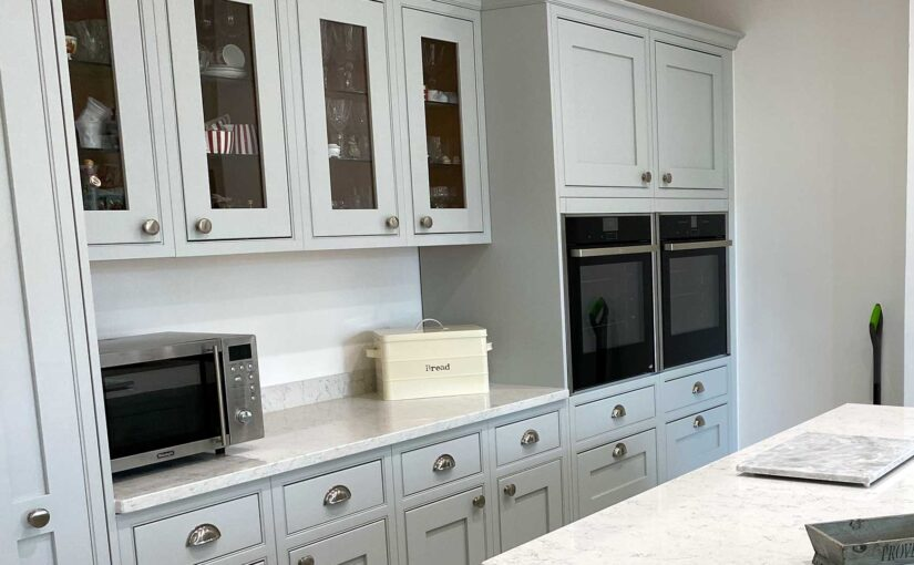 Which cupboards need end panels?