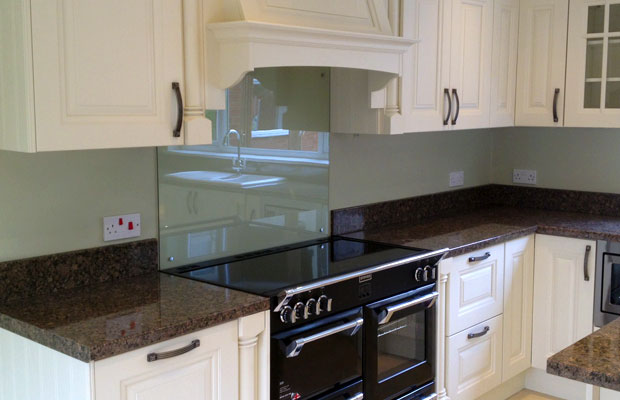 Should I Choose Splashbacks Or Upstands Diy Kitchens Advice