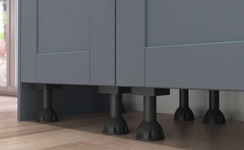How do I remove kitchen unit legs?