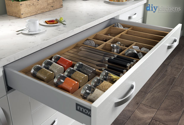 Cutlery insert render 1000mm wide accessories