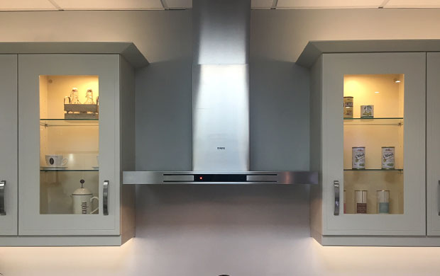Wall units near extractor