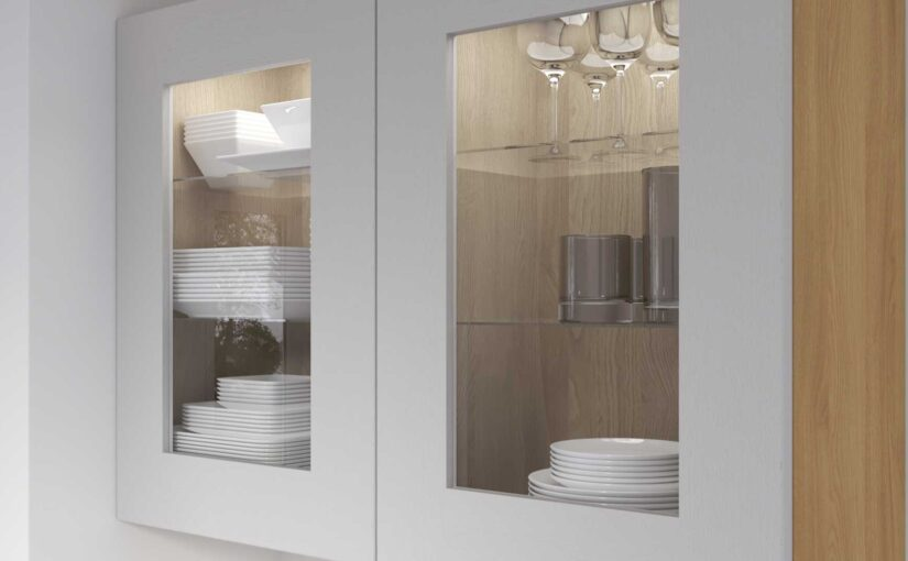 Do your glazed wall units come with glass shelves?
