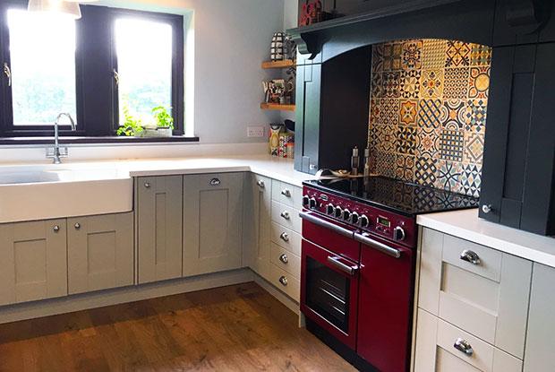 Customer kitchen mantle