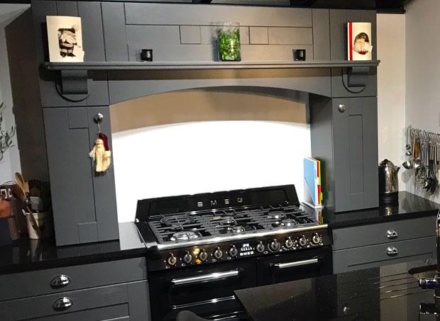 Mantle for range cooker