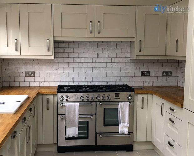 Range cooker cupboard extractor