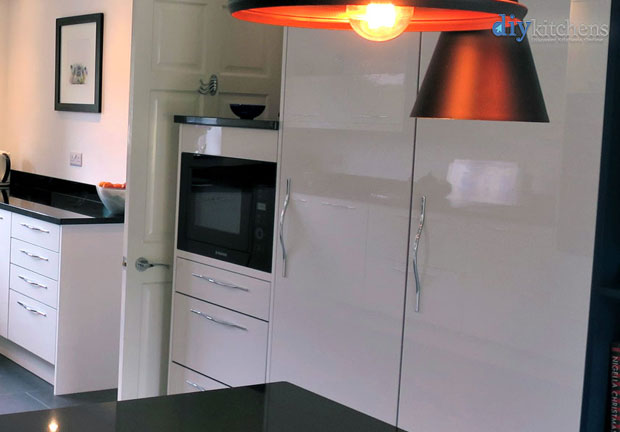 1250mm mid height single oven unit