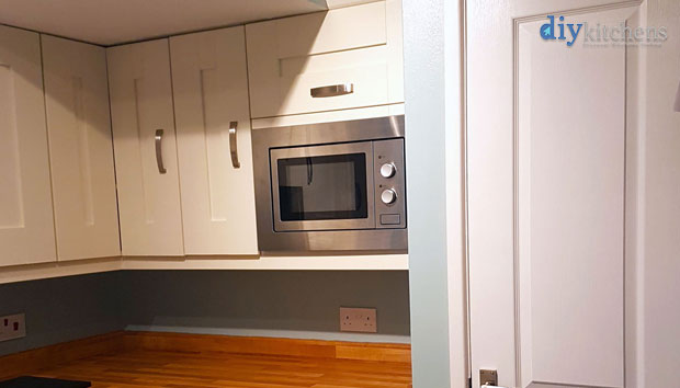 How can I move my microwave from my worktop?