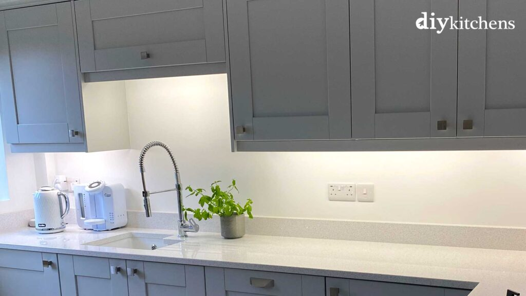 Sink unit with top box